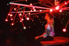 Mikro adjusts his Photon laser art - Picture by Tutu